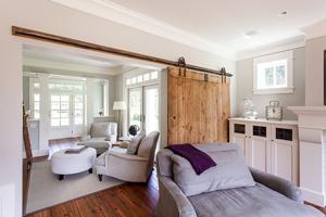 Cửa trượt Barn door phòng khách, sang trọng và tiết kiệm không gian